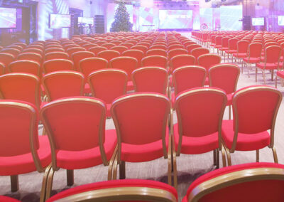 seminar-u-vrnjackoj-banji-fotografija-stolica-u-hotelu